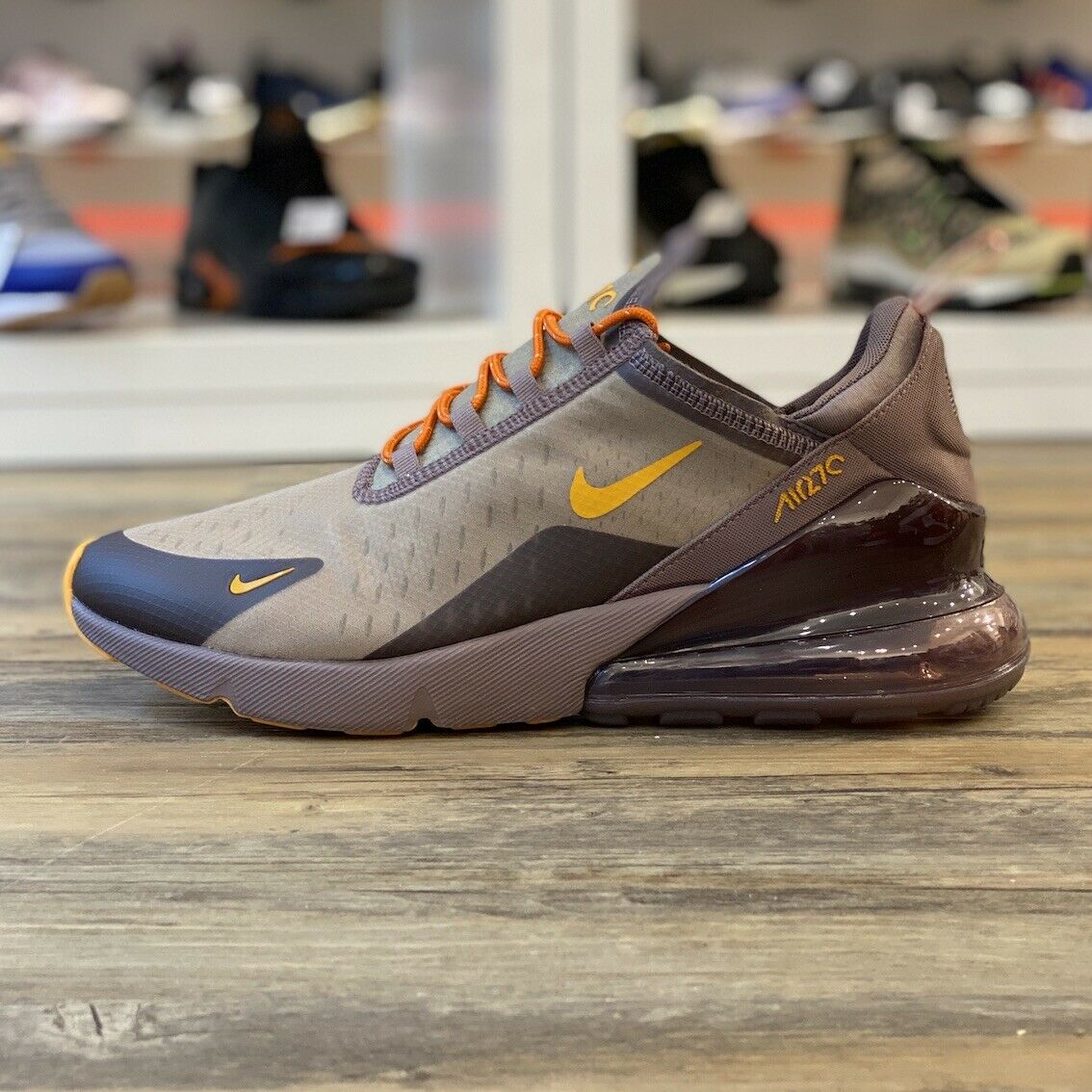 Nike Air Max 270 ID Gr.45,5 Turnschuhe Schuhe braun AT7467 996 Classic Retro