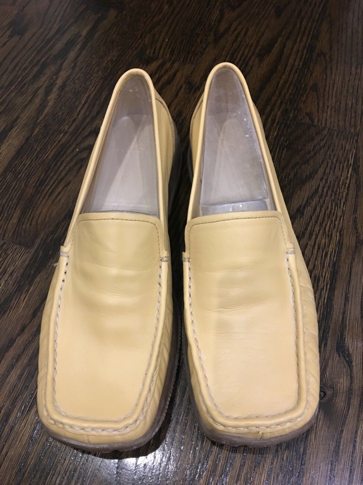 New In Box Blonde Leder Anne Klein Loafer Pedro AK2 Größe 8