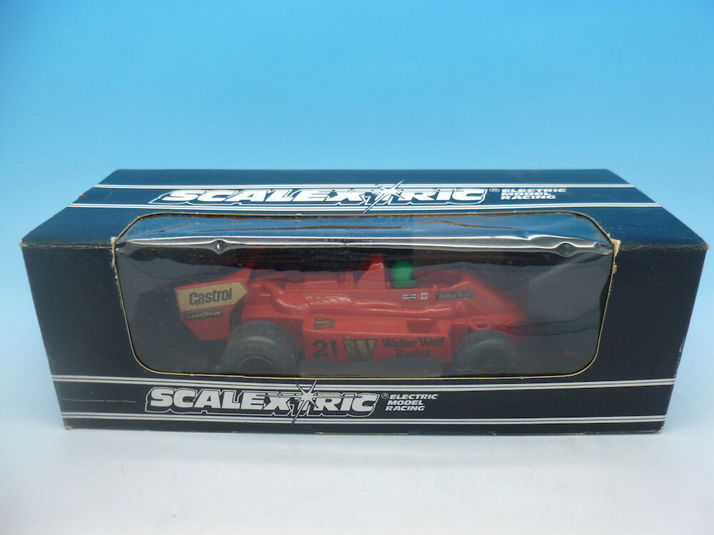 Scalextric C133 Wolf WR5 Formila 1 Car Red