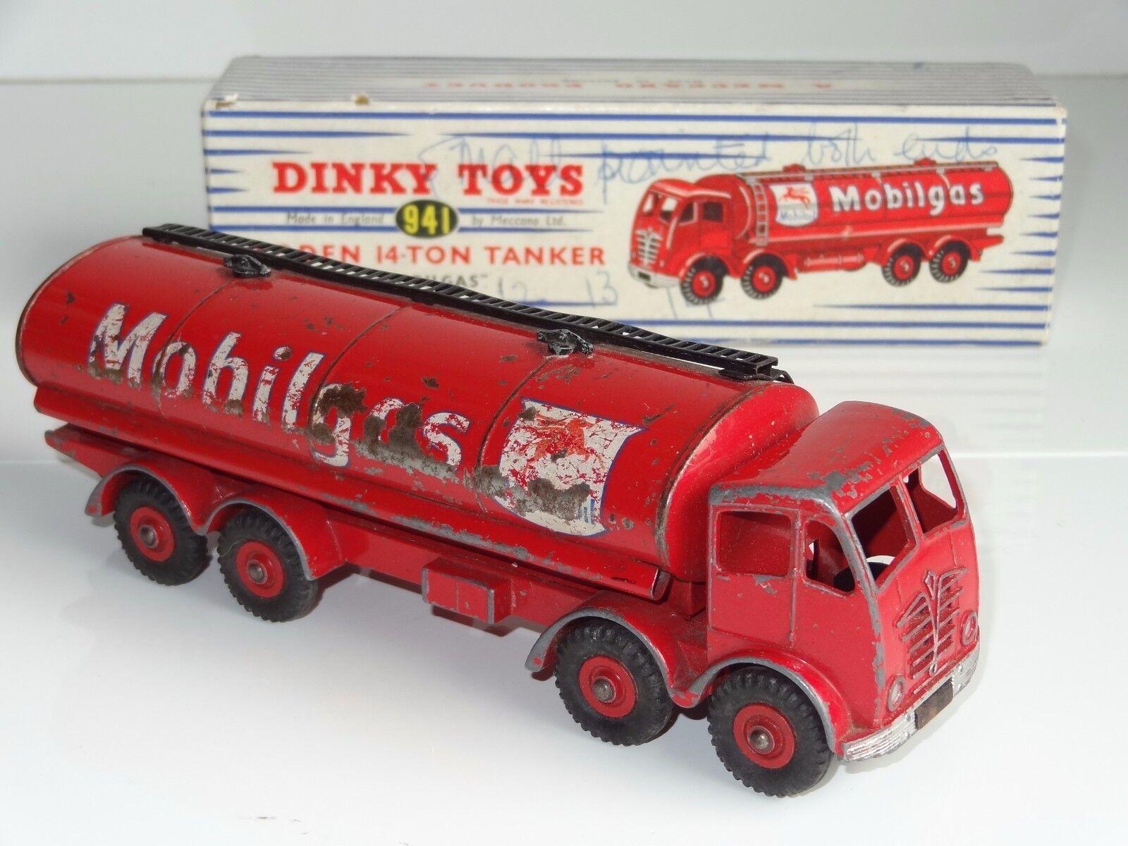 DINKY FODEN MOBILGAS 14 TON TANKER - 941