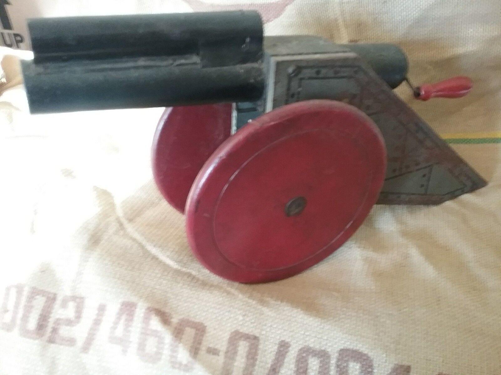 Early Toy Wooden Gatlin Gun