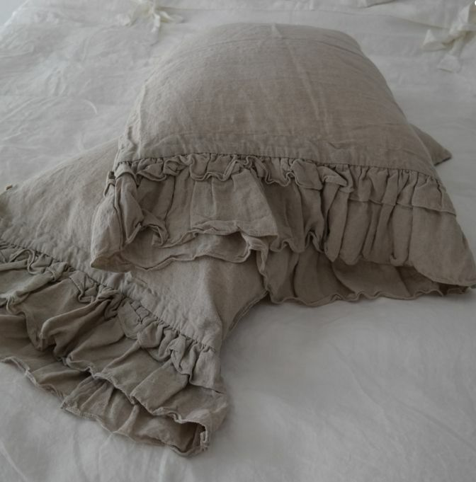 Linen pillowcase with with with ruffles, Bed Pillows. Washed & softened. Made by mooshop 6d52b9
