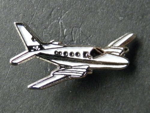 CESSNA 421 GOLDEN EAGLE AIRCRAFT PLANE LAPEL PIN 3//4 INCH
