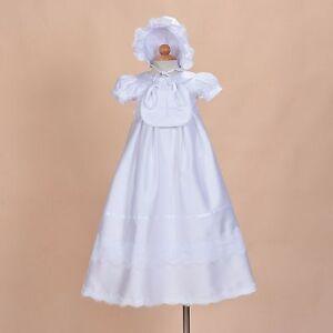 Neuf-Bebe-Filles-Blanc-Satin-Bapteme-Robe-avec-Bavoir-et-Bonnet-9-12-Mois