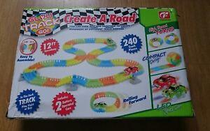 Glow Track Neon Glow 12 Ft (environ 3.66 M) Flexible Trax Avec Bump & Go Del Voiture De Sport Nouveau-afficher Le Titre D'origine