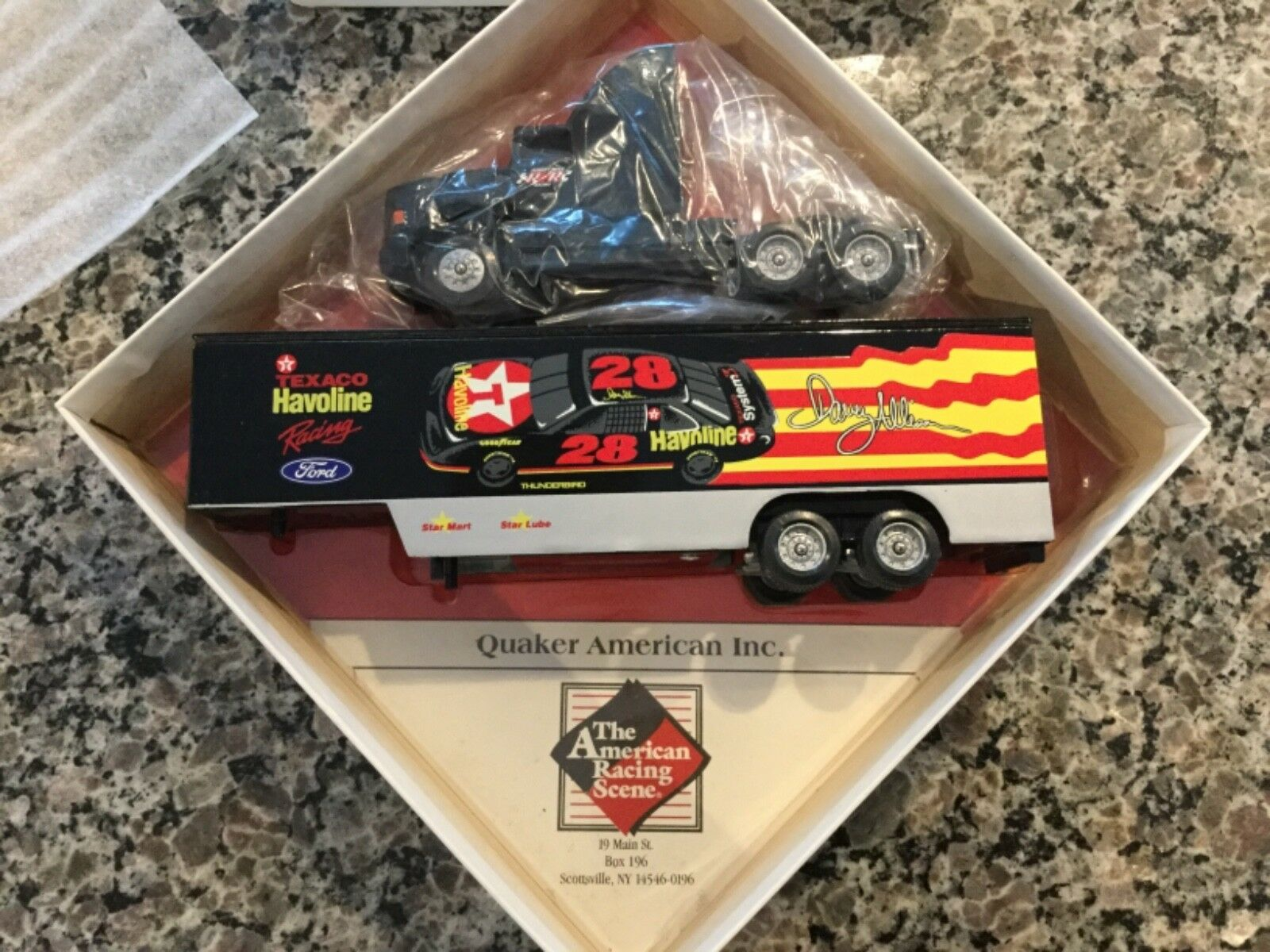 Quaker American 1 87 Davey Allison Texaco Havoline Racing Hauler