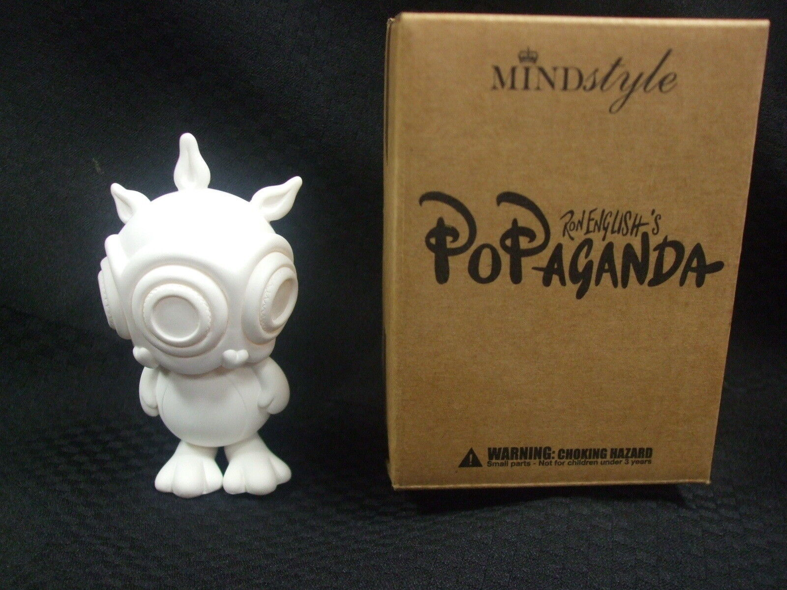 2009 Ron English POPaganda Mini Ronnnie Rabbbit - All Weiß Chase Figure w/ Box