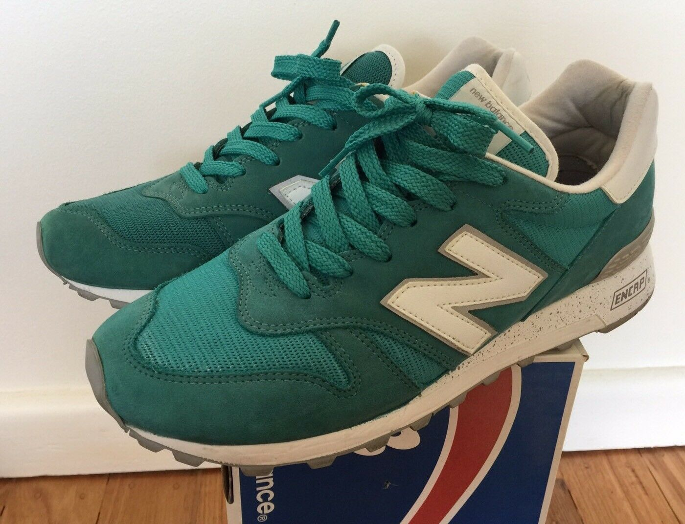 New Balance 1300 Made In In In USA 9.5 Green Teal White Grey 998 1500 1400 1600 ca627d