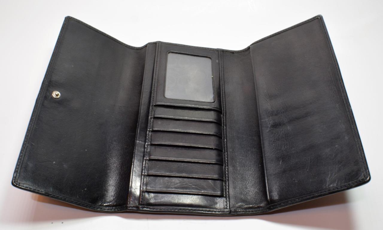 Authentic Coach Black Leather Trifold Clutch Wallet Card Organizer Coach logo