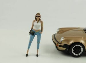 Figurine-Ladies-Night-Sara-Woman-Girl-1-24-American-Diorama-No-Car