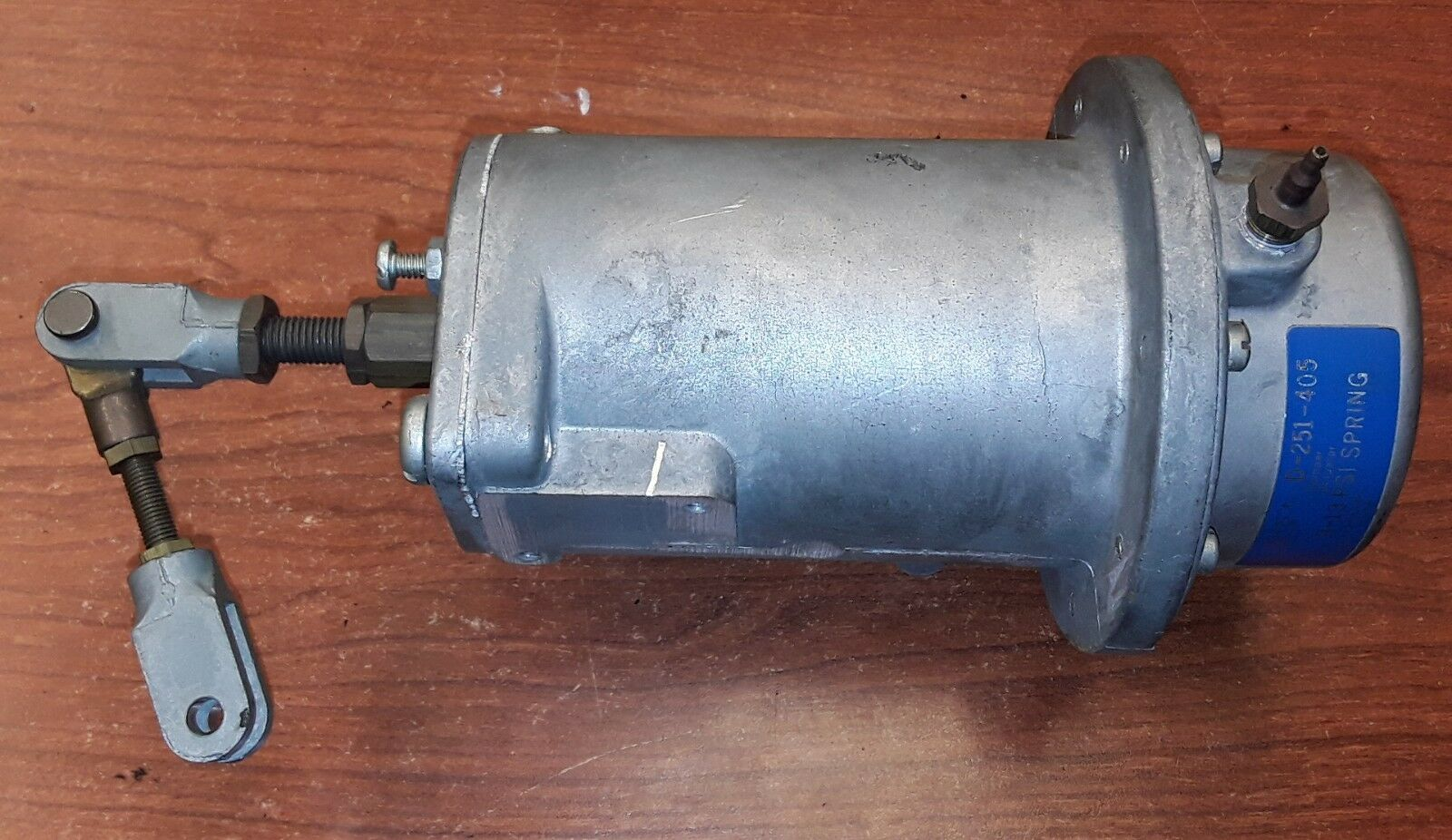 Johnson Controls D-251-405 Damper Actuator 8-13 PSI Spring