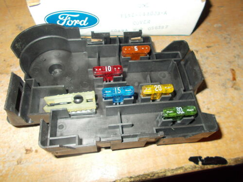 NOS 1999-2004 FORD MUSTANG GT SVT COBRA SALEEN FUSE BOX COVER W FUSES NEW OEM