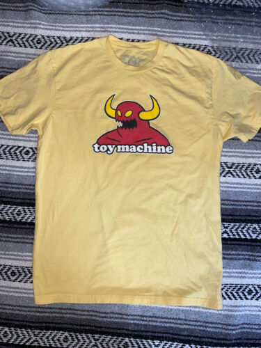Toy machine monster T-shirt size large Yellow