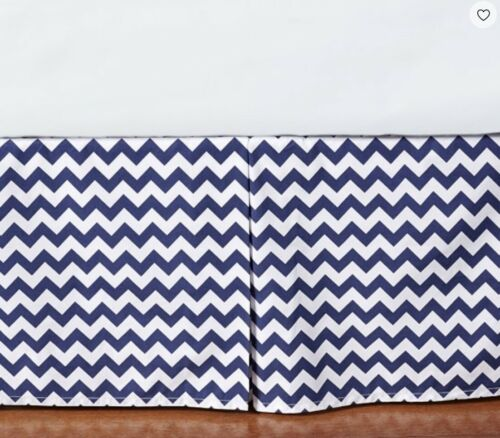 Pottery Barn Kids Chevron Cot Crib Bed Skirt Navy Blue//White
