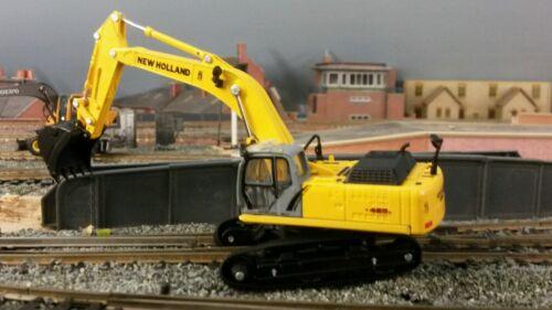 New Holland E485B Tracked Digger 1:87 HO/OO/00 Cararama Dealer Model Box Damage