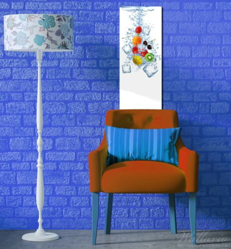 Wallario Premium Glasbild 32x80cm Obst-Eiswürfel-Mix Wasser weißem Hintergrund