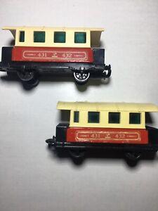 Matchbox-Eisenbahn-Lesney-2x-No-44-Passenger-Coach-Zug-Waggon-s-mit-Scheiben