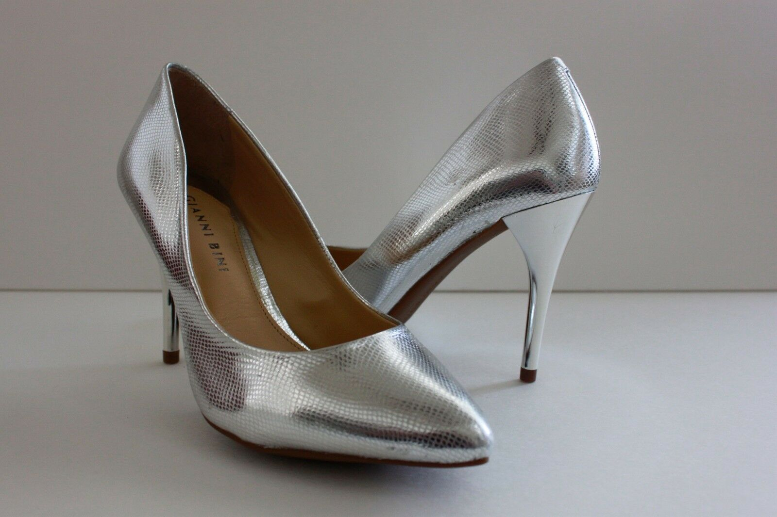 Gianni Bini Womens Heels Silver Shoe Size 6.5 M Silver Heels Leather Snake Pointed Toe Pumps 5f1af2