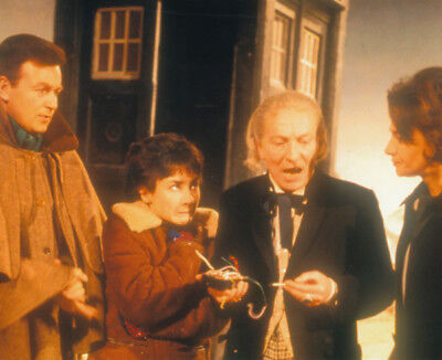Doctor Who UNSIGNED photograph M7223 William Russell and William Hartnell
