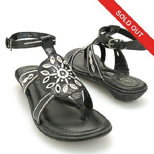 ARIAT MOJAVE DISTRESSED LEATHER CUTOUT EMBROIDERED FLOWER THONG SANDALS  130