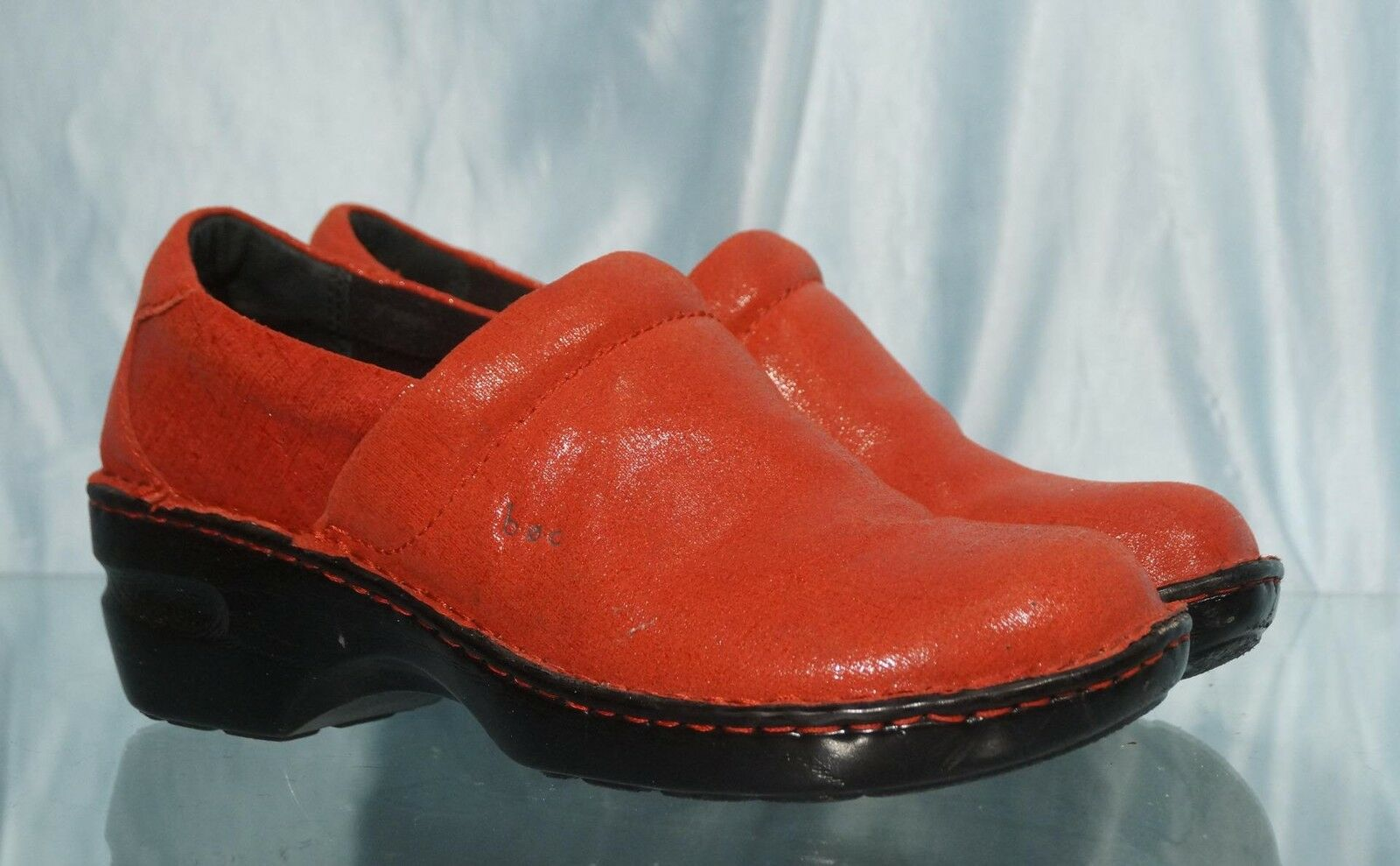 Attractive BORN CONCEPT (B.O.C.) Red Leather Clogs US 10M EUR 42