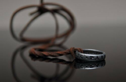 Uncharted 3 Nathan Drake/'s Ring with Necklace Strap from Collector/'s Edition