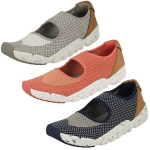 Boys Girls Childrens Clarks Casual Slip On Trainers Tri Shore-afficher Le Titre D'origine