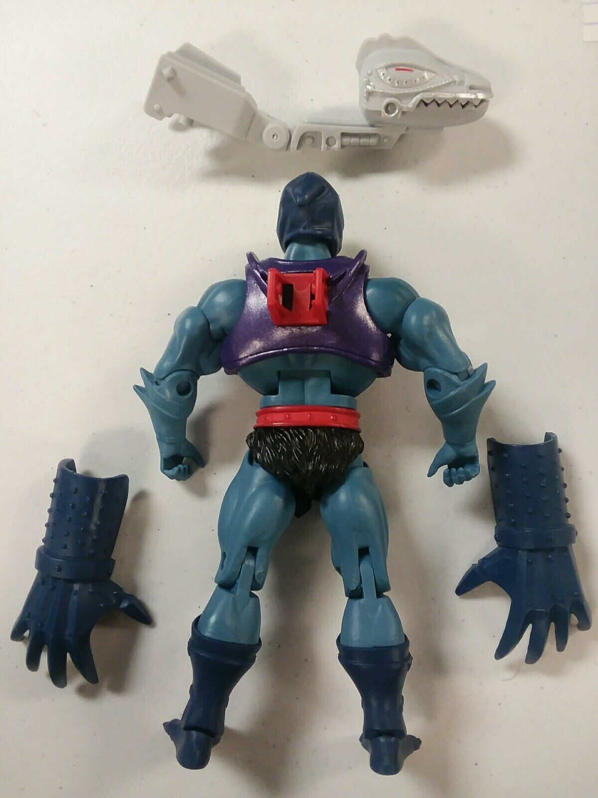 Masters of The Universe Classics Terror Claws Skeletor With Accessories