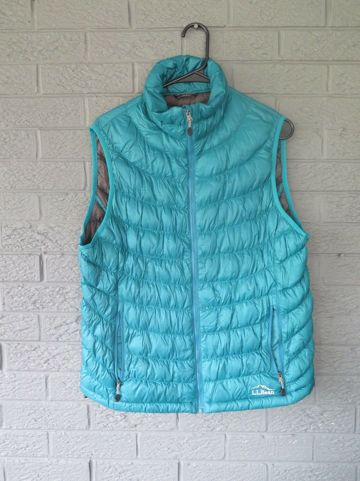 WOMENS LL BEAN DOWN SWEATER VEST IN TEAL GREEN SIZE MEDIUM BARELY WORN DOWNTEK