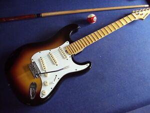 Vintage original Hamer Slammer/estados unidos s-Caster e-guitarra scalloped, usado