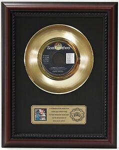 JAMES-BROWN-LIVING-IN-AMERICA-GOLD-RECORD-CUSTOM-FRAMED-CHERRYWOOD-DISPLAY-034-K1-034