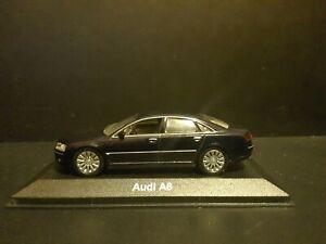 Audi A8 4.2 Quattro Type 4E 2004 Minichamps Special Dealer Edition in 1/43