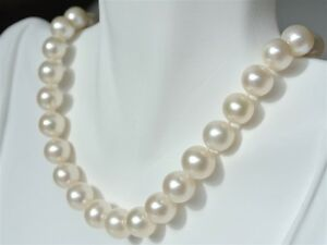 24-034-Inch-AAA-8-9mm-White-Pearl-Strand-Necklace-Genuine-Cultured-Freshwater
