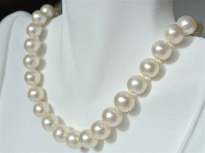 HENGSHENG Pearl Necklace 8-9 mm AAA Quality Freshwater Trendy Flat White Irregular Pearl Necklace 18 inches for Women Gift