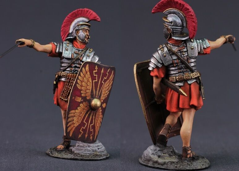 Tin toy soldiers ELITE painted 54 mm  Roman legionary in battle