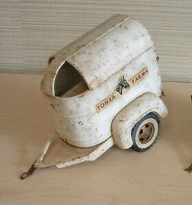 1950s-TONKA-STAKE-HORSE-TRAILER-PRESSED-STEEL-Vintage-Antique-Rare-Rusty