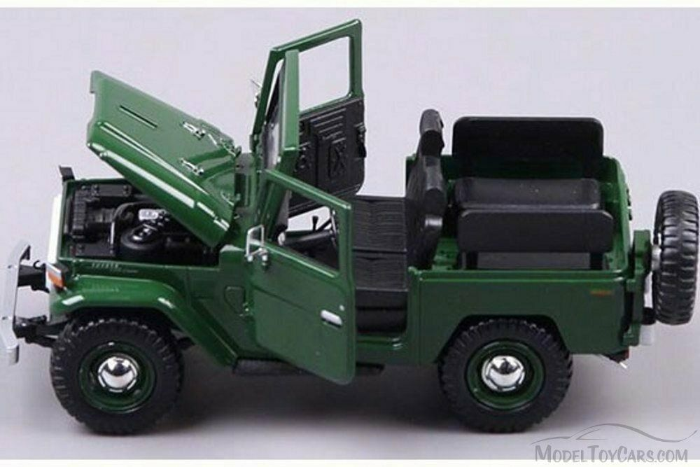 DIECAST CAR /& DISPLAY CASE TOYOTA FJ40 JEEP GREEN MOTOR MAX 79323PTM 1//24 SCALE