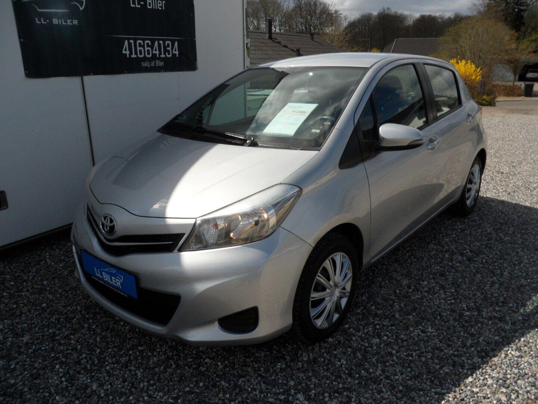 Toyota Yaris 1,3 VVT-i T2 5d - 68.900 kr.