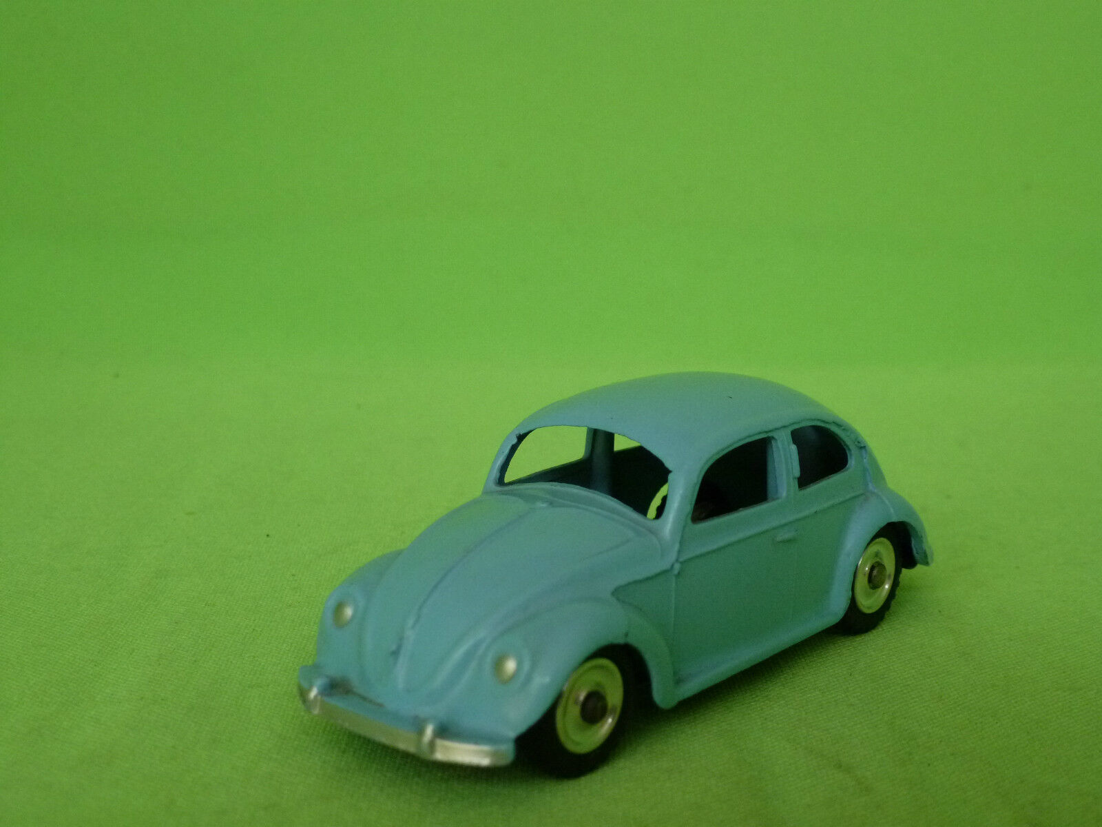 DINKY TOYS 181  VW VOLKSWAGEN KAFER BEETLE - LIGHT Blau - IN VERY GOOD CONDITION