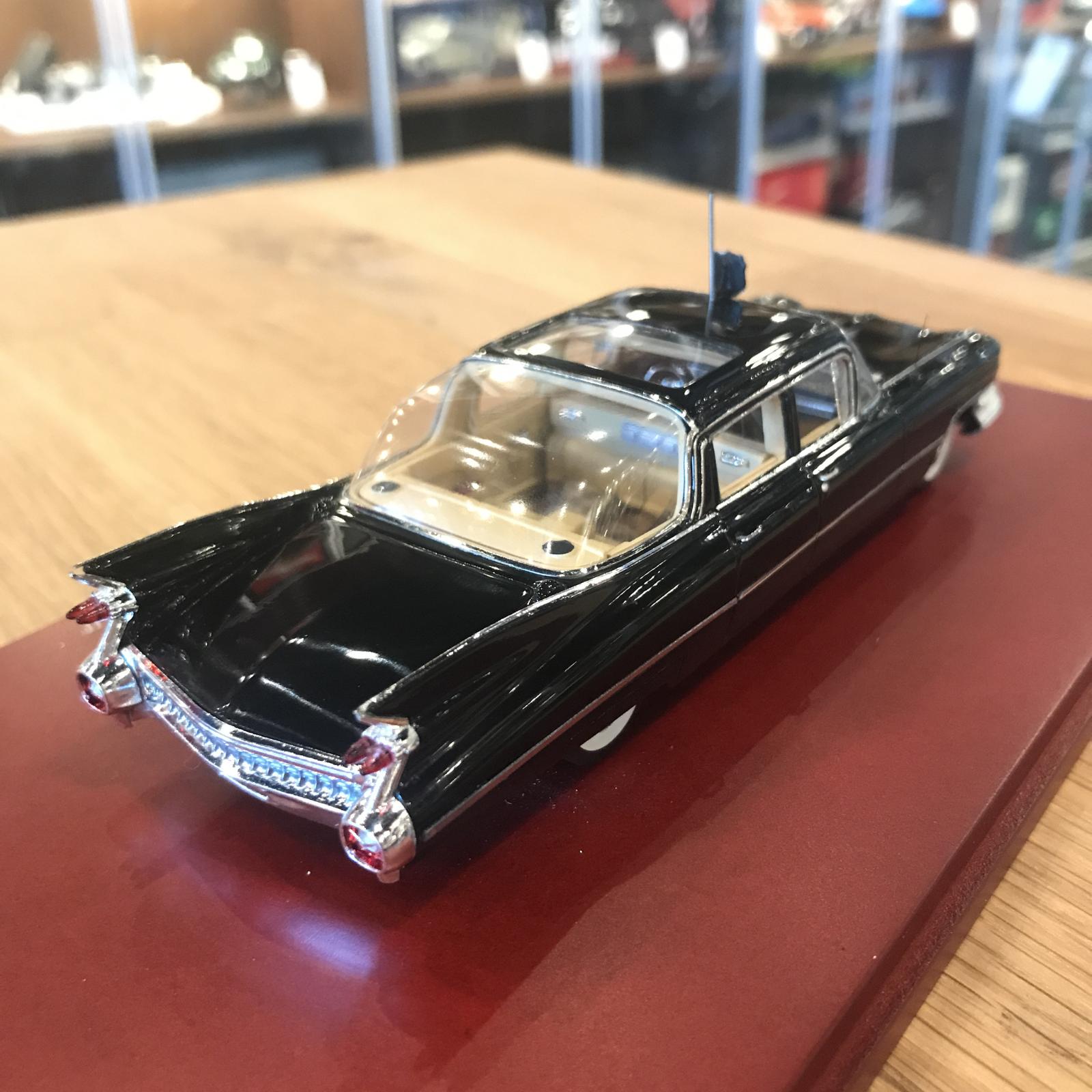 TSM 1 43 Cadillac Limousine Bubble-Top 'Queen Elizabeth II' 1958 TSM114334