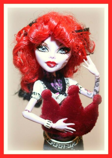 ❤️Monster High Operetta Campus Stroll FIRST WAVE Phantom Doll with Outfit❤️