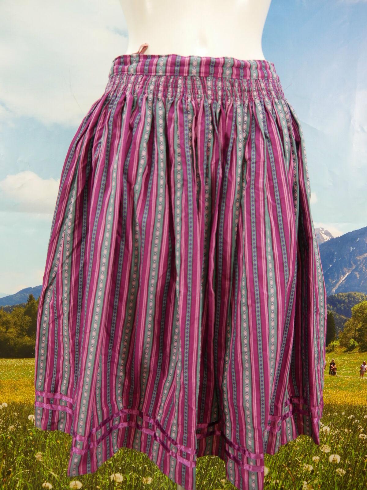 Trachtenrock lila Baumwolle mit gewebten schönem BlauMännermotiv Trachten Rock Gr.40