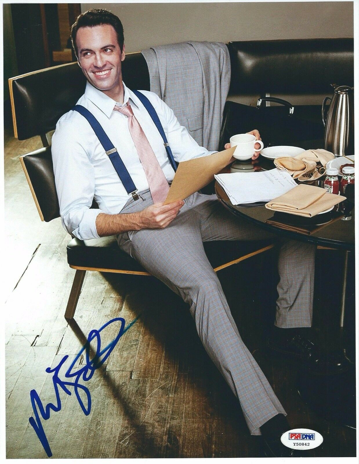 Reid Scott Signed 8.5x11 Photo PSA Y50842