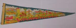 26-034-Old-Vintage-1950s-CHICAGO-ILLINOIS-SKYLINE-MULTI-COLOR-GRAPHIC-FELT-PENNANT