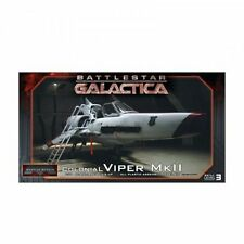 Moebius Models BattleStar Galactica Colonial Viper MkII & Pilot Figure 1:32Scale