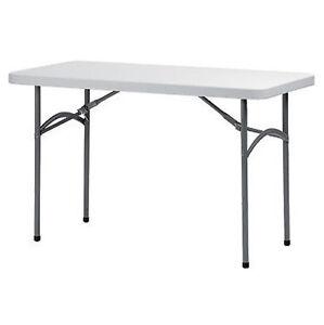 Tavolo pieghevole in polipropilene grigio da esterno in - Tavolo esterno pieghevole ...