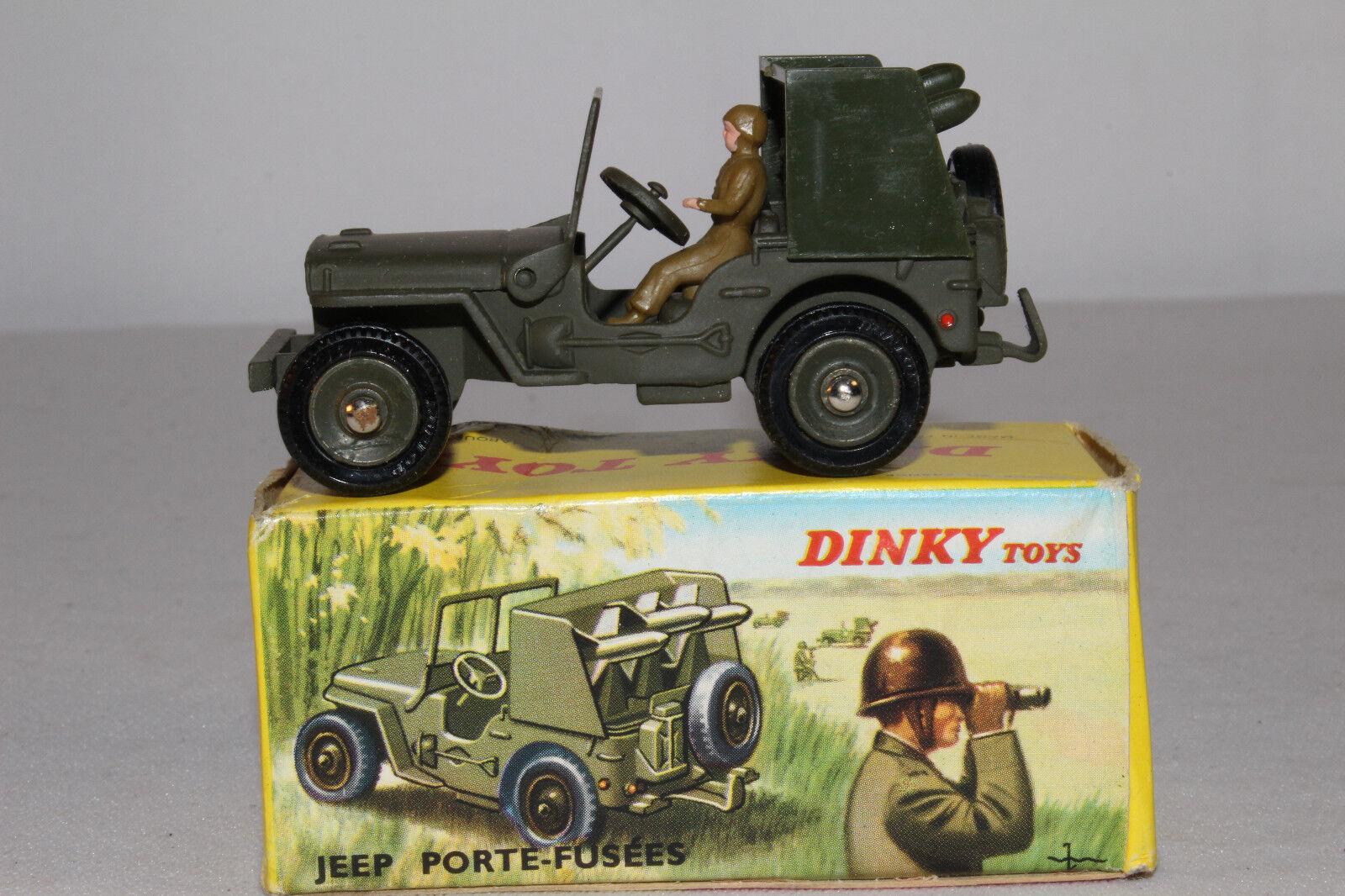 Década de 1960 francés Dinky  828 cohete portador Jeep, buen lote de  8, Con Caja Original