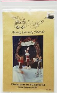 Country-Primitive-Pattern-Christmas-Bunnyland-Santa-Reindeer-Elf-Wreath-New-1991