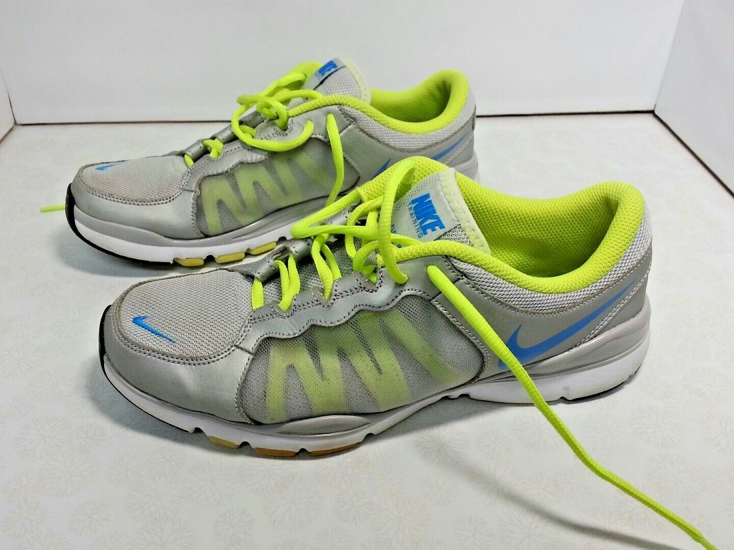 info for 2a98e 28f7a Nike Nike Nike Womens Flex TR2 Shoes Size 9 Two Tone Silver Grey Volt Color  Good