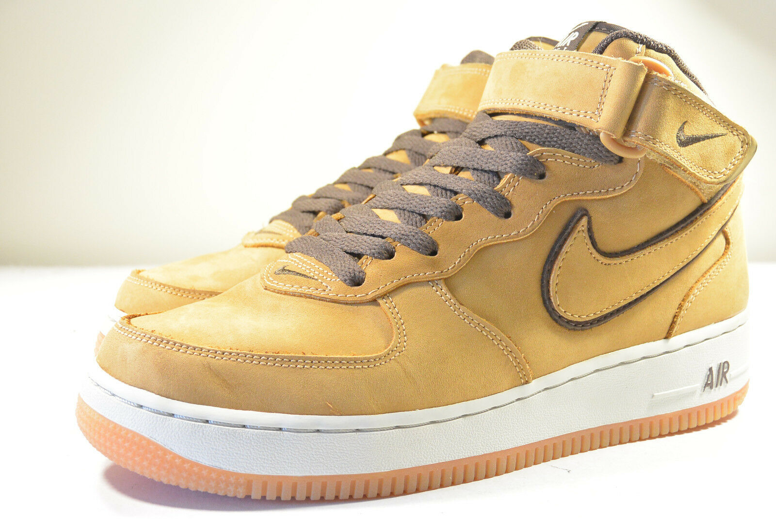 DS NIKE 2003 AIR FORCE 1 WP WATERPROOF WHEAT 7.5 SUPREME HYPERFUSE GOLD MAX FLAX